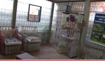 La casa ecológica fabricada con botellas